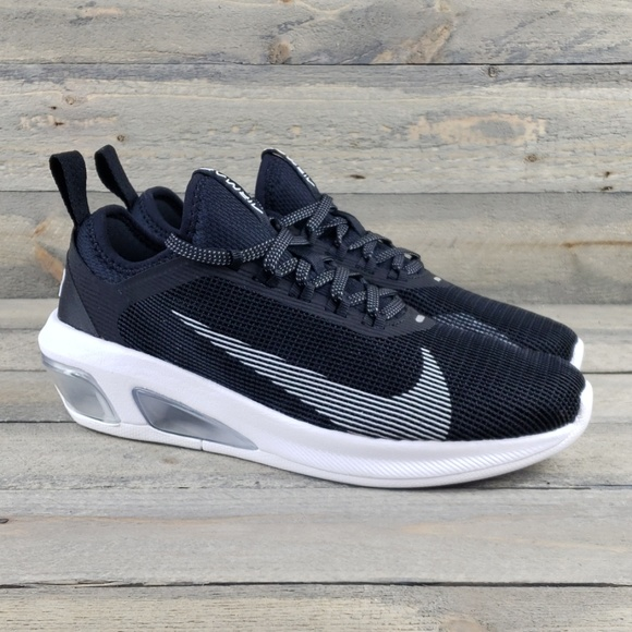 nike air max running shoes black and white